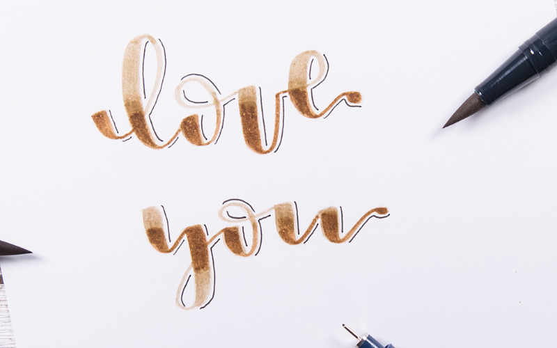 love you - ein Brushlettering mit einem Blending in braun