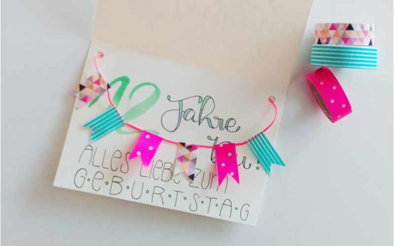 Geburtstagskarte selbermachen mit Wimpeln aus Washitape