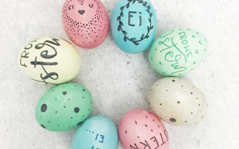 Handlettering auf Ostereiern - eine einfache Anleitung