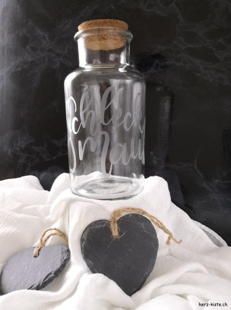 Schleckmaul - Handlettering mit Ätzpaste auf Glas verewigt für ein individuelles Geschenk