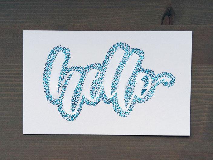 hello - Lettering mit Punkten