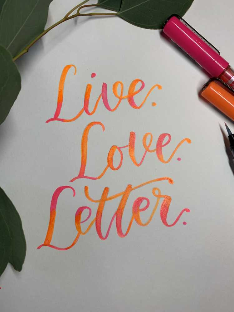 live love letter - neonfarbiges Brushlettering mit Blending