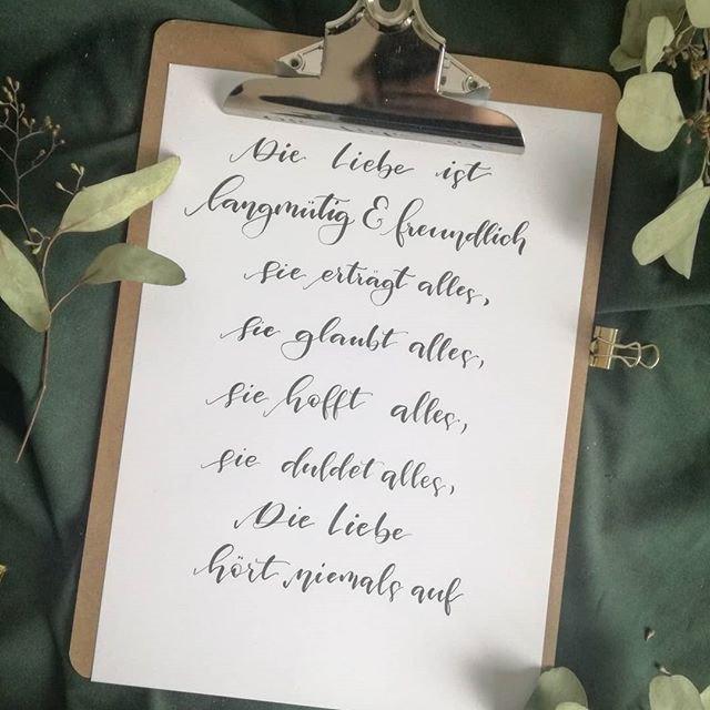 Handlettering Spruch: Die liebe ist langmütig und freundlich...