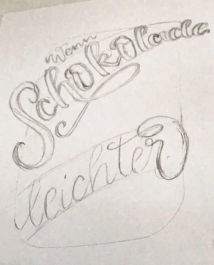 erste Schritte einer Lettering Skizze zu einem Layout