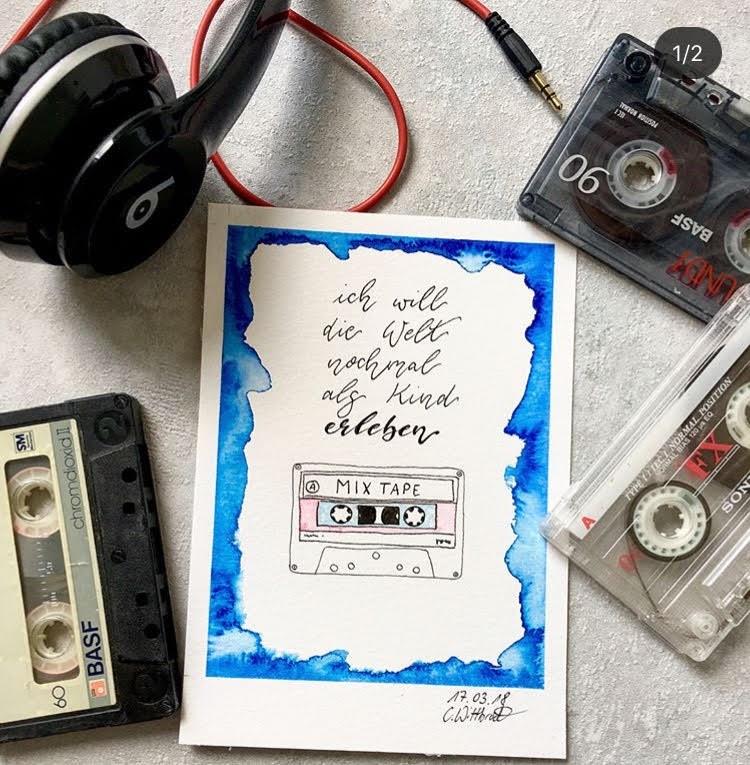 Mix Tape - Lettering mit vielen Kassetten als Erinnerung an die Jugend / Kindheit