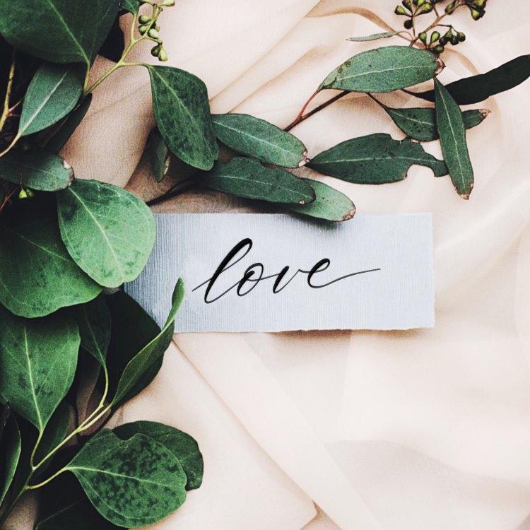 love - Handlettering