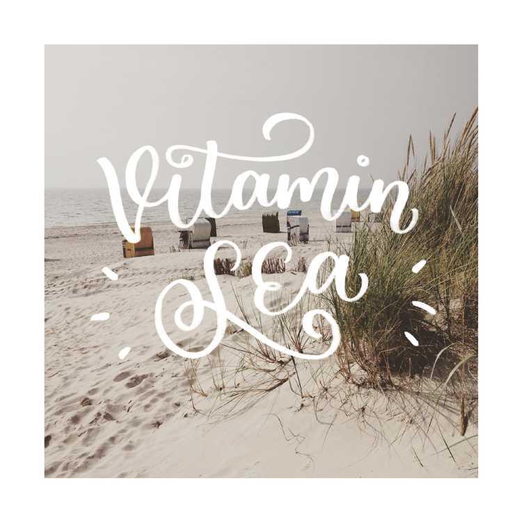 Handlettering auf einem Foto: Vitamin Sea