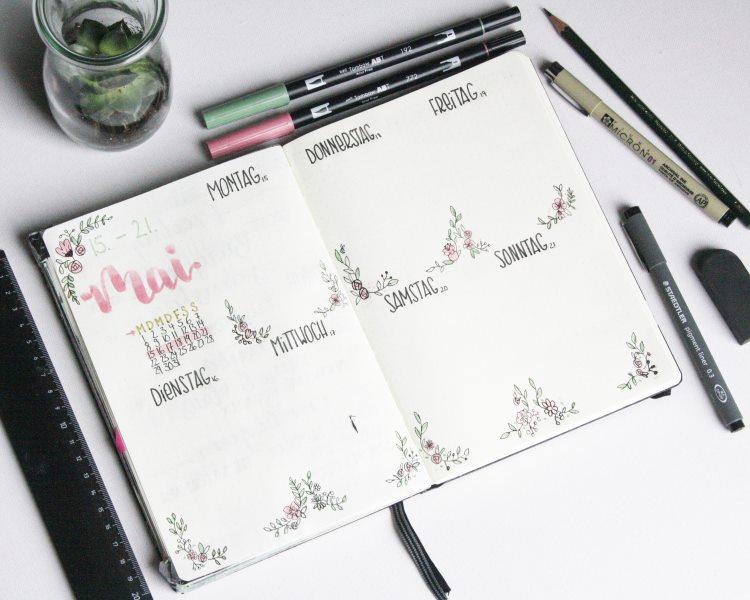 Bullet Journal Lettering Planner mit Blumen Dekorationen