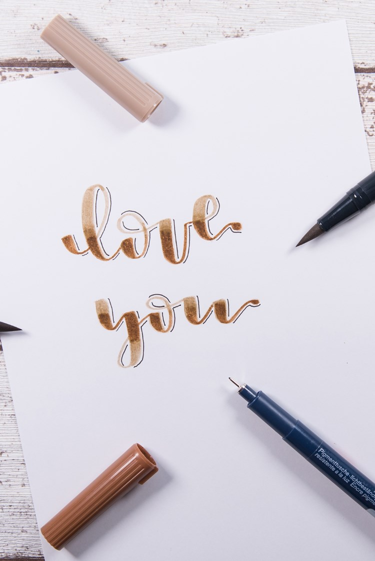 love you - Brushlettering mit Blending und Schatten