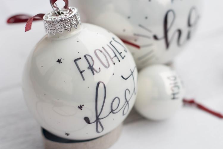 frohes fest - Weihnachtskugel mit Handlettering