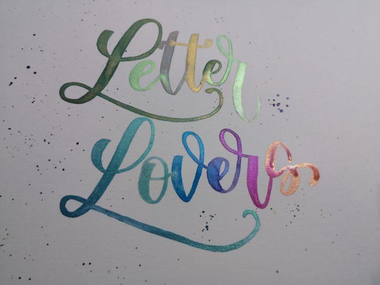 Letter Lovers - schöne Farbverläufe beim Watercolor Lettering