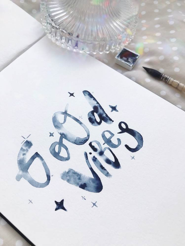 good vibes - Watercolor Lettering in dunkelblau