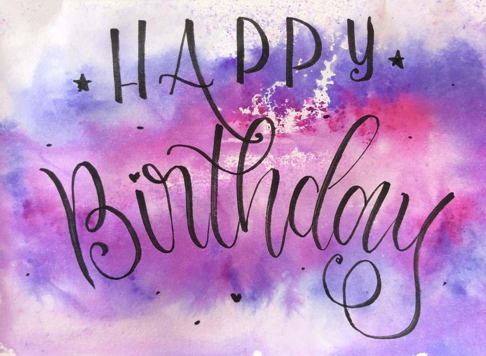 Happy Birthday - einfache Geburtstagskarte mit Aquarell Hintergrund