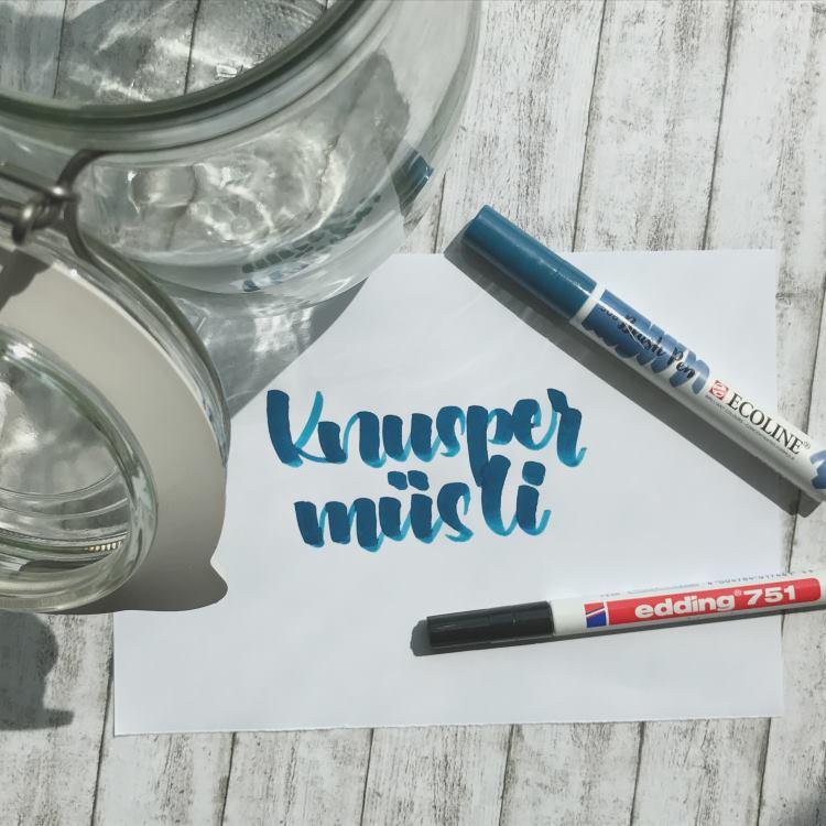 Knuspermüsli - Vorlage um ein Vorratsglas zu beschriften mit Lettering