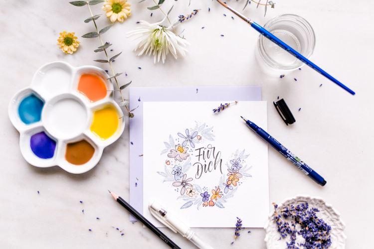 für dich - Karte mit einem Blumenkranz und Lettering