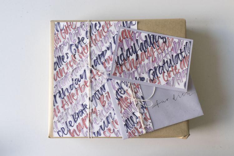 Handlettering Anleitung: gestalte ein Geschenkset dank Lettering ganz einfach