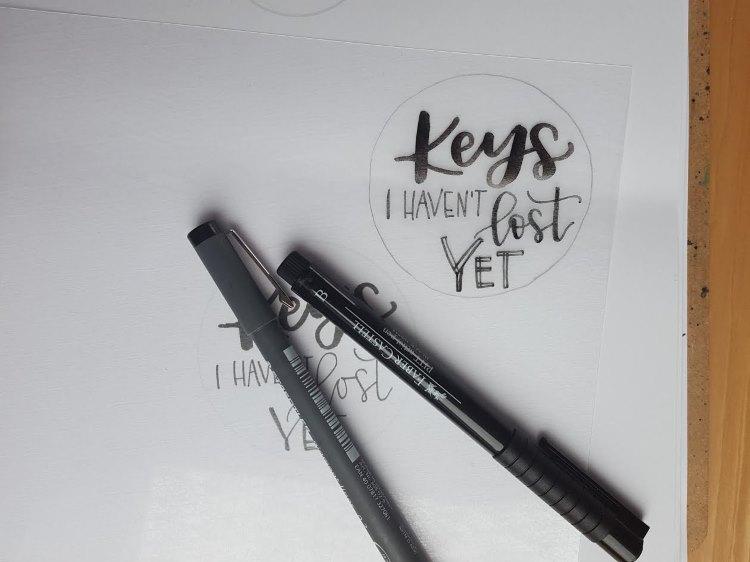 Keys I haven't lost yet - Handlettering auf Schrumpffolie für DIY Schlüsselanhänger