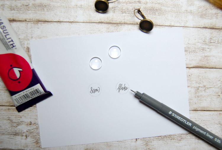 kleines Lettering erstellen um DIY Ohrringe mit Cabochon selbst zu machen