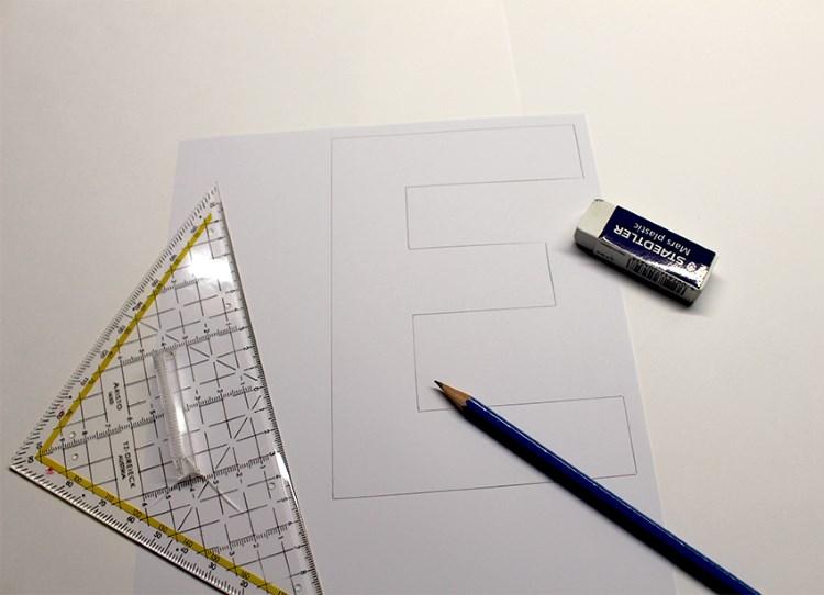 Buchstabe E in Blockschrift gestalten