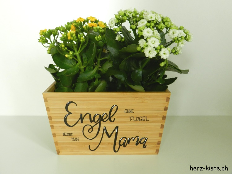 Muttertagsgeschenk mit Lettering: Engel ohne Flügel nennt man Mama