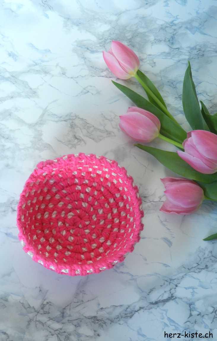 Häkelkörbchen in Pink von oben