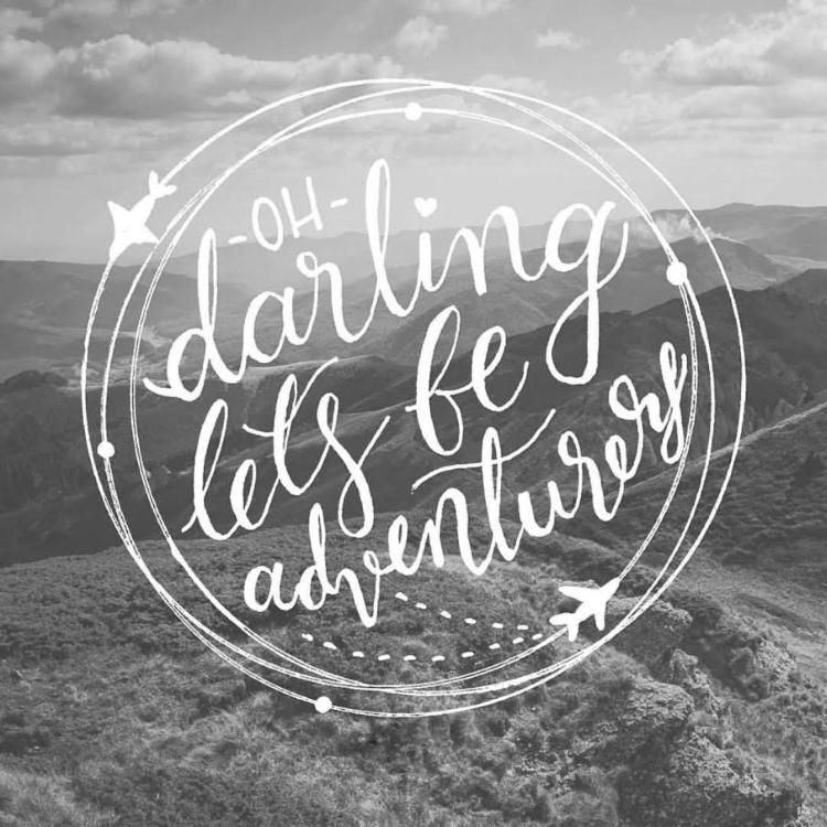 Handlettering auf schwarzweissem Foto - oh darling lets be adventurers