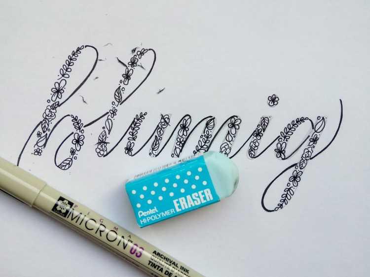 Bleistiftskizze ausradieren beim Lettering