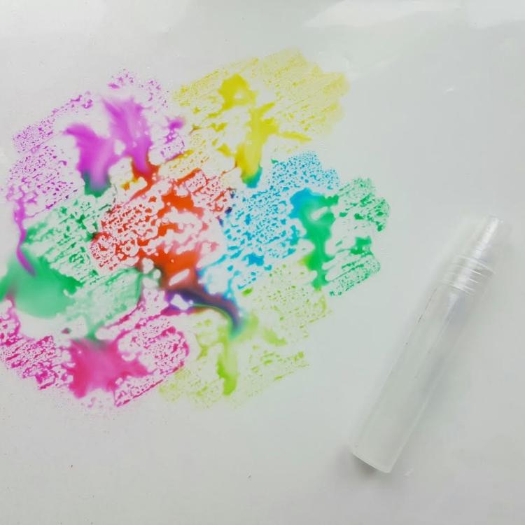 Aquarell Hintergrund selber machen mit Wasserspritzern