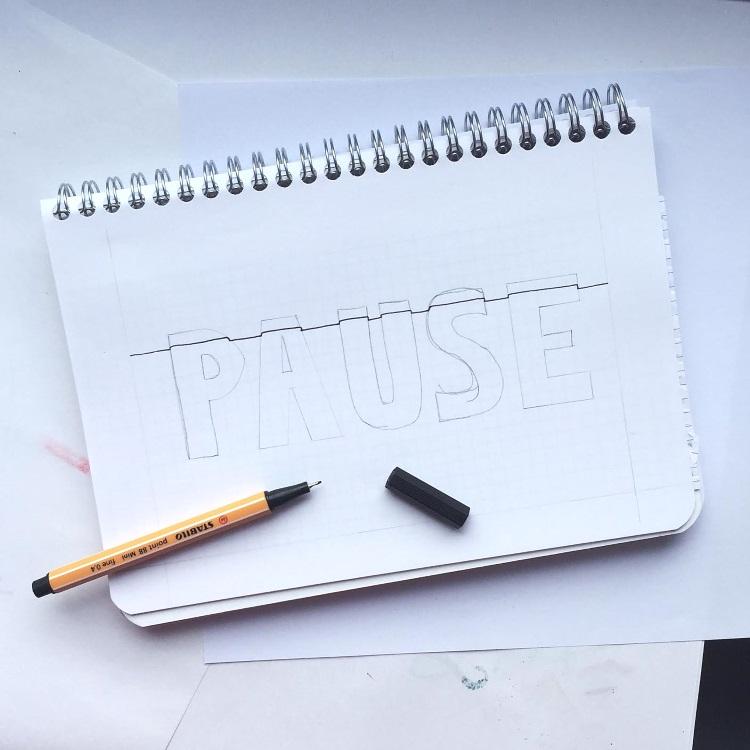 Pause Bleistiftskizze mit erster Linie