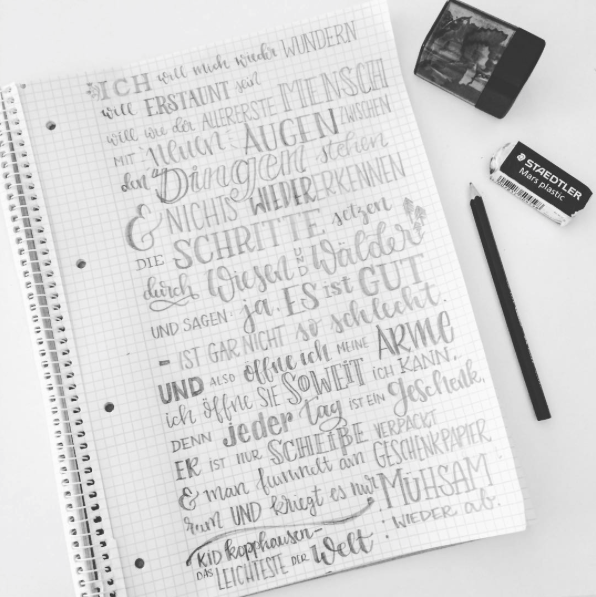 Handlettering Skizze mit Bleistift