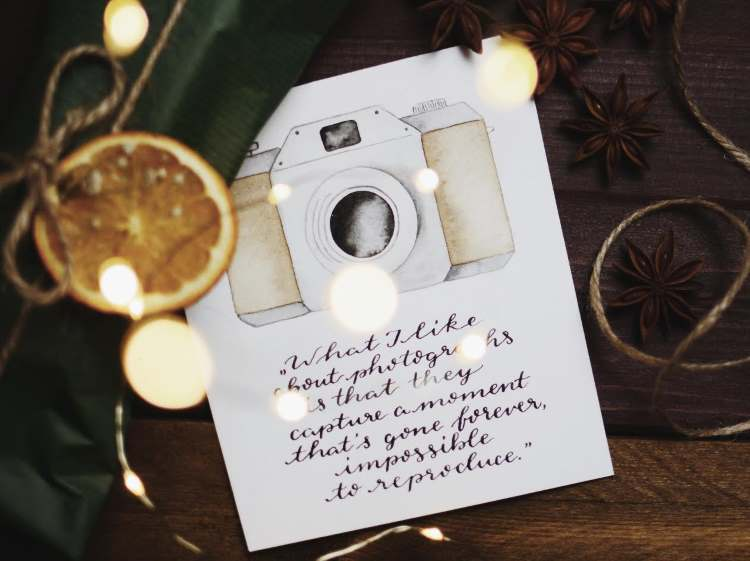 Handlettering mit alter Kamera