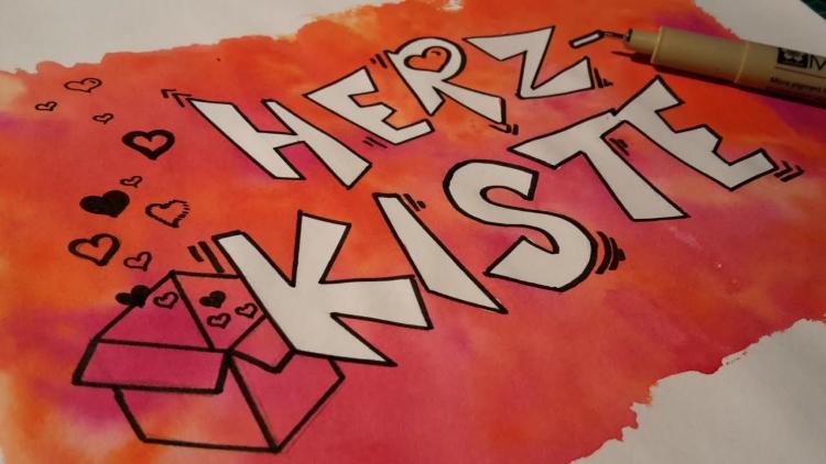 Herz Kiste - weisses Lettering dank Rubbelkrepp