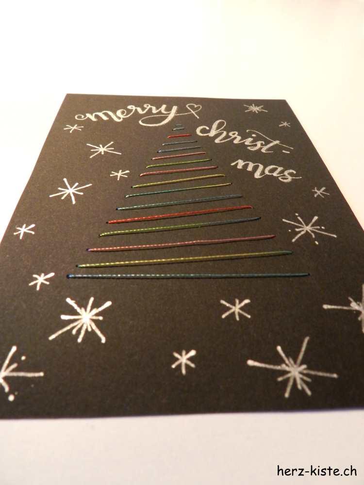 Weihnachtskarte merry christmas mit aufgesticktem Tannenbaum