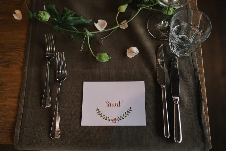 Braut - Namensschild für den Tisch an der Hochzeit mit Lettering
