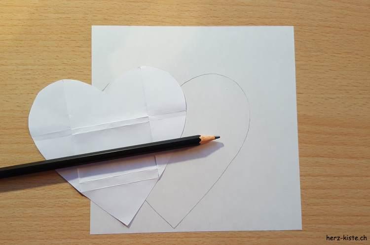 Herz Vorlage übertragen auf Musterpapier