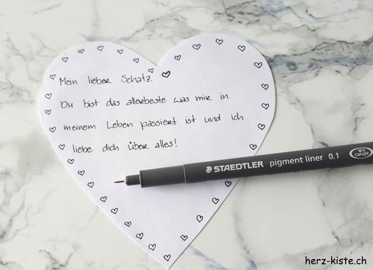 Persönlicher Brief in Herzform zum Valentinstag