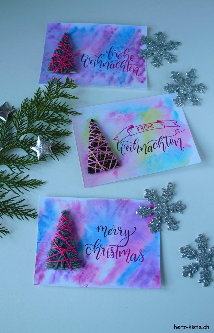 frohe Weihnachten - Weihnachtskarten mit Lettering und Tannenbäumen aus Wollresten