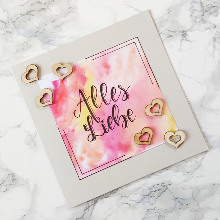 Alles Liebe - selbstgemachte Karte mit Lettering zur Hochzeit mir Herzchen aus Holz