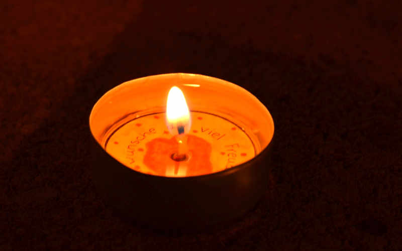 Geschenkidee: Teelichter mit Herzensbotschaften