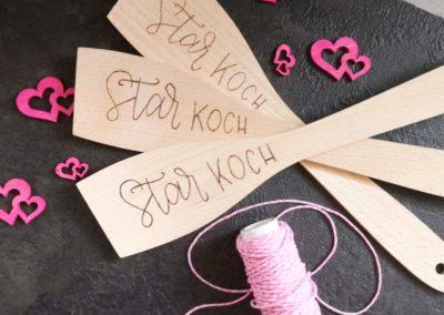 Star Koch - individualisierte Wendekelle mit Brandmalerei Lettering