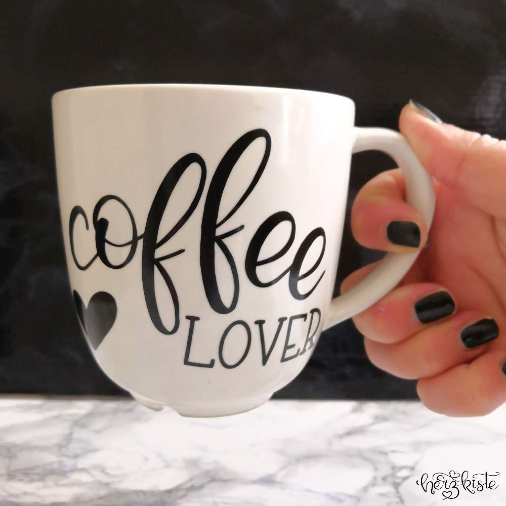 Coffee Lover - Handlettering ausgeplottet auf einer Tasse