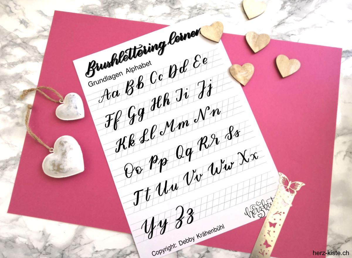 Brush Lettering Grundlagen Alphabet für Anfänger als gratis Download