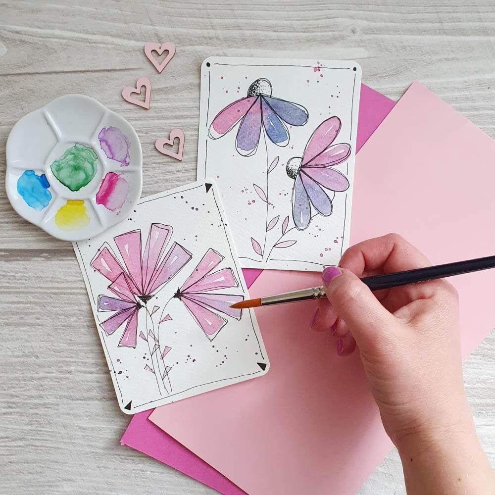 einfache Aquarellblumen gemalt auf Karten