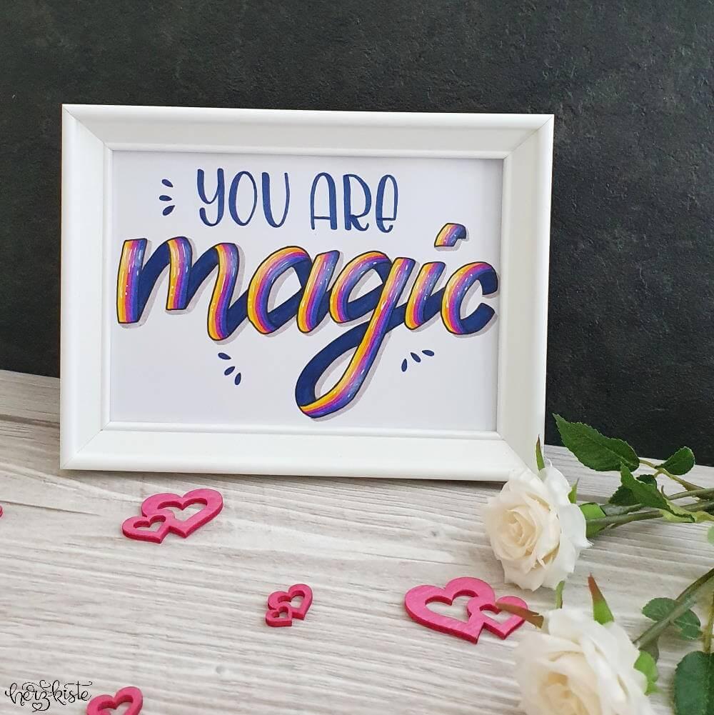 Ribbon Lettering mit Regenbogenfarben - you are magic